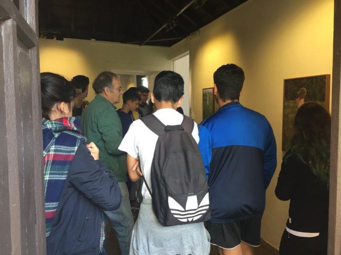 Visita estudiantes a la galería de arte garcia de diego. Arte en las islas canarias