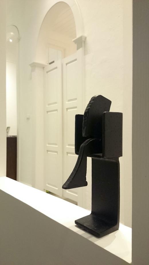 galeriagarciadediego-losllanosdearidane-schwartzer sitzer-escultura